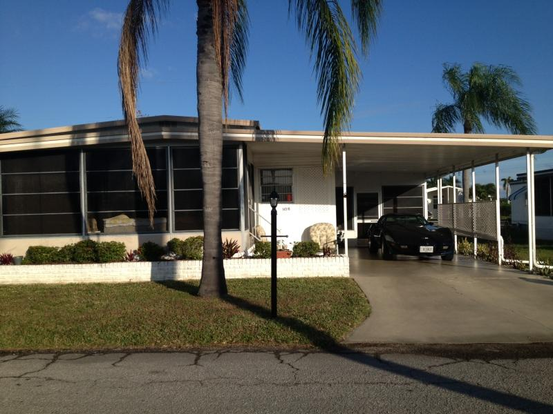 Private Water Front For Boating & Fishing - Image 1 - North Fort Myers - rentals