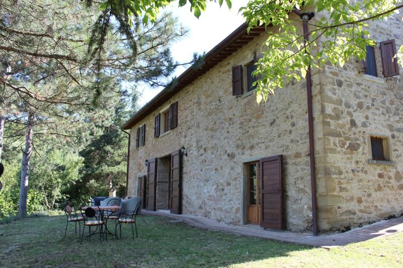 Fully Renovated Tuscan Villa With Pool & Wifi - Image 1 - Anghiari - rentals
