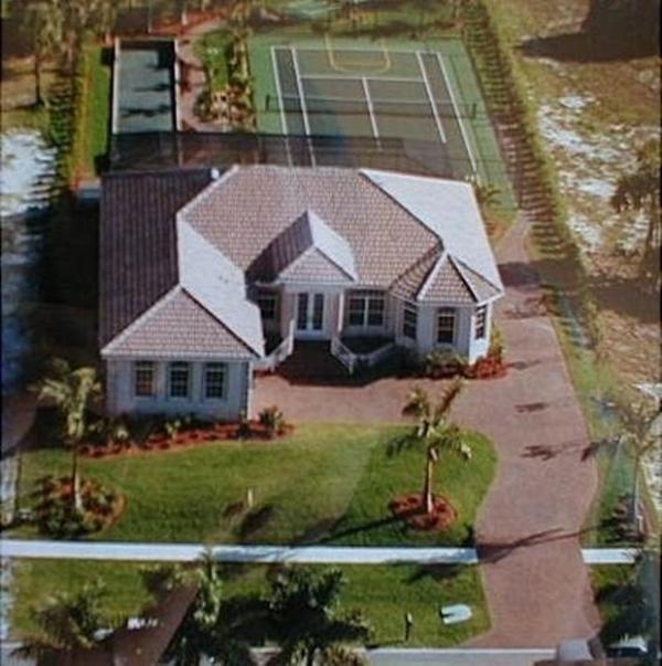 4BR/3BA Near Tigertail Beach,Private Tennis Court - Image 1 - Marco Island - rentals