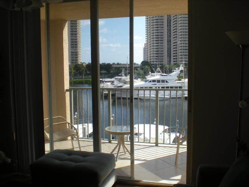 The Yacht Club at Aventura. Waterview Condo - Image 1 - Aventura - rentals