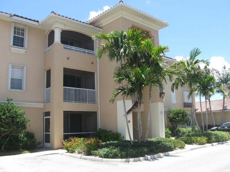 APRIL MAY  JUNE 2016    1500 2 bed - Image 1 - Cape Coral - rentals