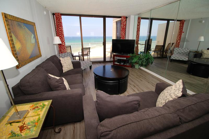 Beautiful View of the water and balcony access - Watch the Sunset Over Blue-Green Waters - Panama City - rentals