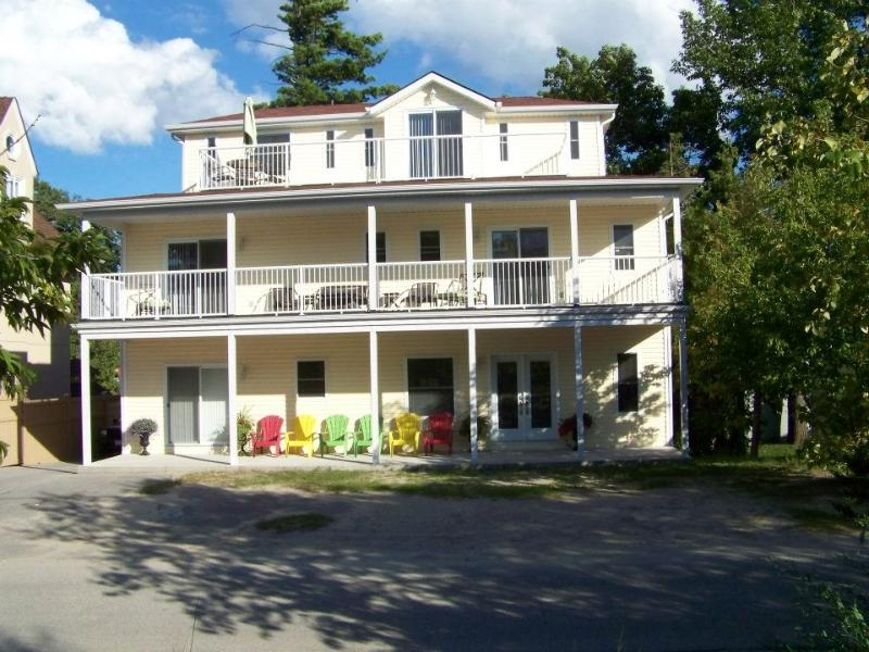 Front of Home: All rooms face the beach and water. - Wasaga Beach Family Rental - Wasaga Beach - rentals