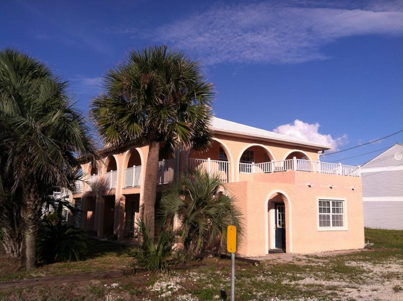 2 story 4b/3b beach house. Spacious and very comfortable. (Front view). - Enjoy this beach house! - Panama City Beach - rentals