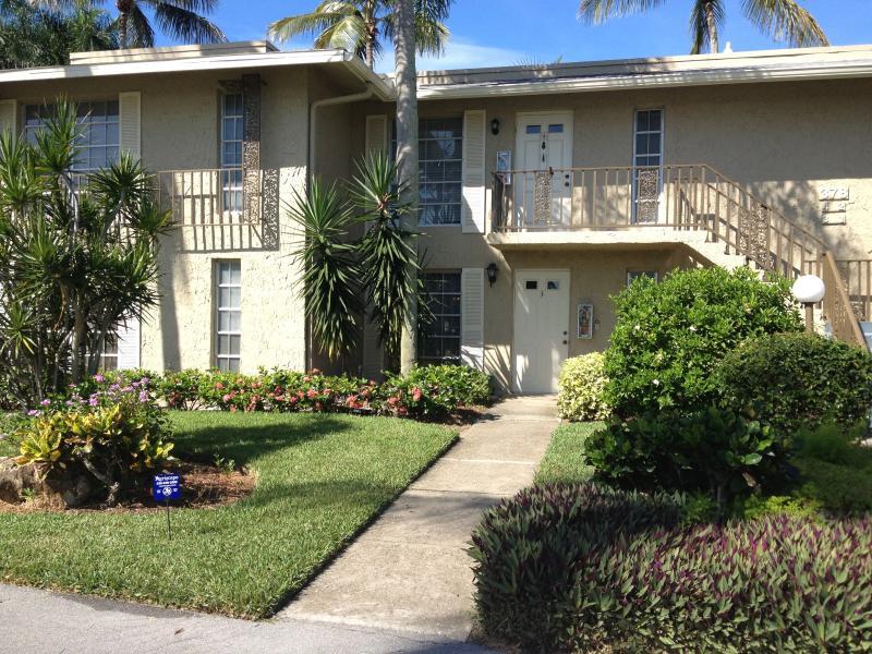 2 BDRM condo in Naples Glades country club - Image 1 - Naples - rentals