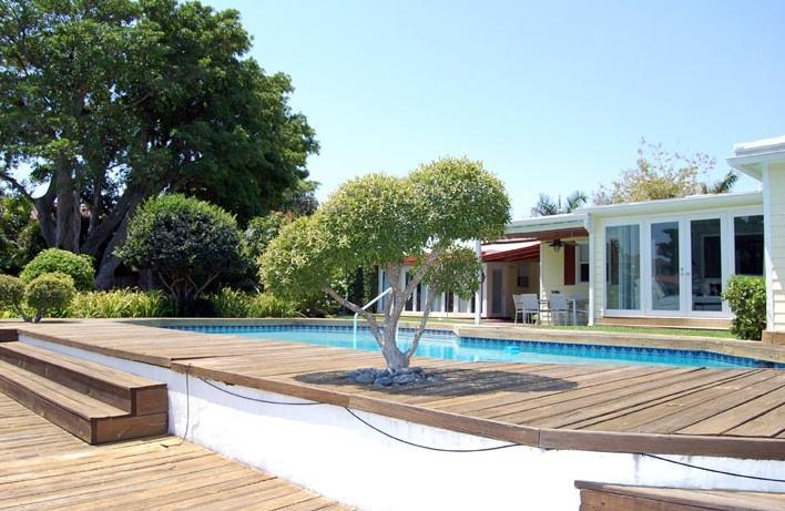 Waterfront, walk to beach, luxury community, pool - Image 1 - Fort Lauderdale - rentals
