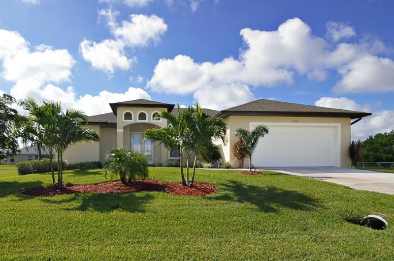 Family Friendly, Very Well Appointed Villa - Image 1 - Cape Coral - rentals
