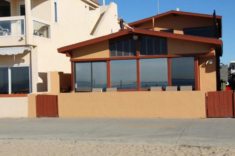 On the beach - Image 1 - Newport Beach - rentals