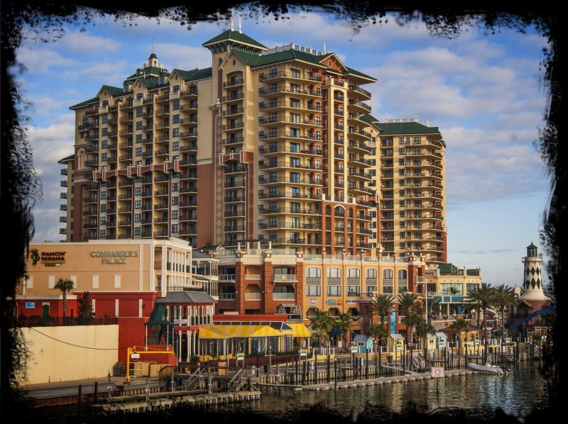 Beautiful Wyndham Emerald Grande Resort Condo - Image 1 - Destin - rentals