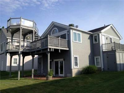 A unique view: one LR opens up to a patio, the other to two levels of decks. - Amazing Deck/Ocean View - Save $300-$500 on Select Weeks! - Narragansett - rentals