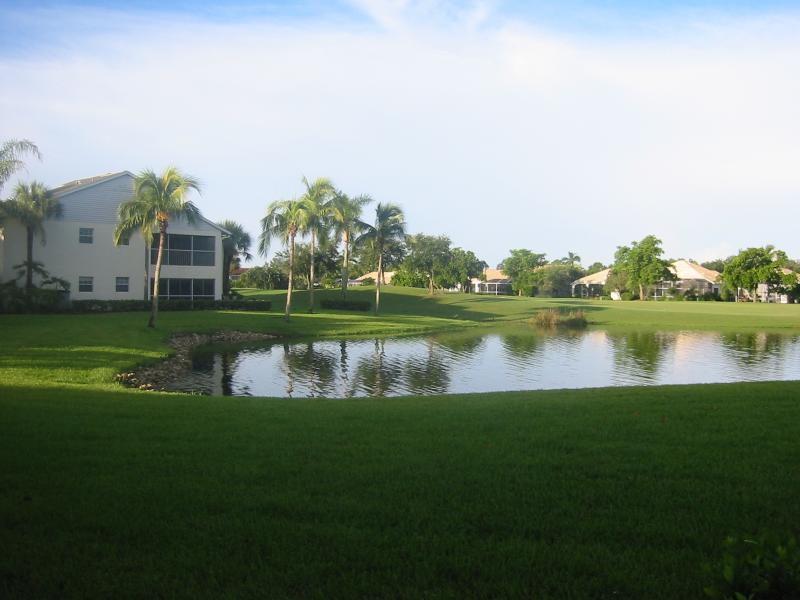 Views of lake and golf course beyond - Lake and golf course views - Fort Myers - rentals