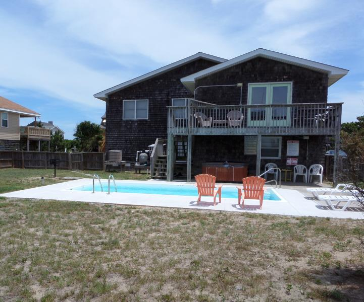 fenced yard, private 10x20 pool(open mid Apr to mid Oct) and hot tub(year round) - Ocean Views! Private Pool/Hot Tub! - Kitty Hawk - rentals