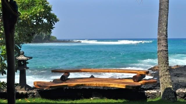 BEST BENCH FOR RELAXING AND WATCHING WAVES, dolphins, surfers, kayas - Oceanfront Private Home, Magic Sands, Lymans Bay - Kailua-Kona - rentals
