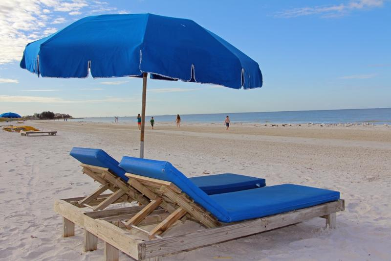 Lounges directly in front of Sea Breeze.  Relax in the sugar-soft sand. - Time to Relax... at Sea Breeze of Madeira - Madeira Beach - rentals