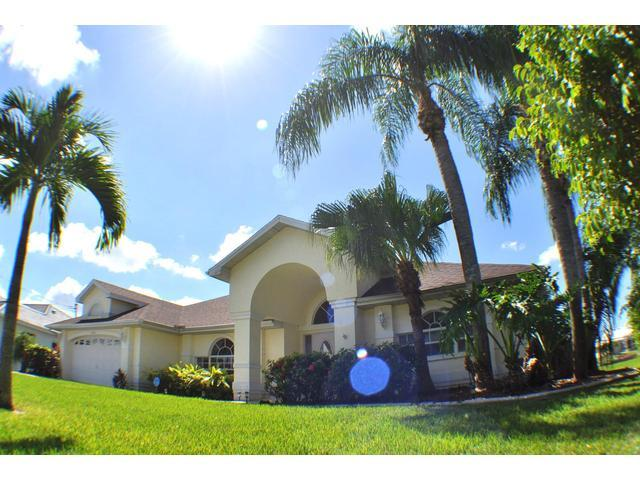 Villa Parrot Key - SOUTHERN exposure, hot tub - Image 1 - Cape Coral - rentals