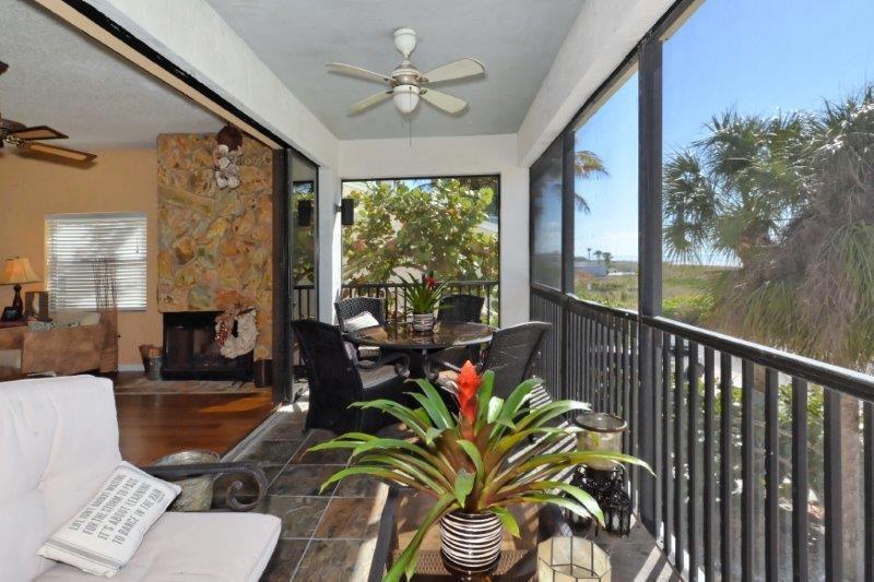 Patio with gulf vistas. - SIESTA KEY BEACH FRONT ONE BLOCK TO VILLAGE!! - Siesta Key - rentals