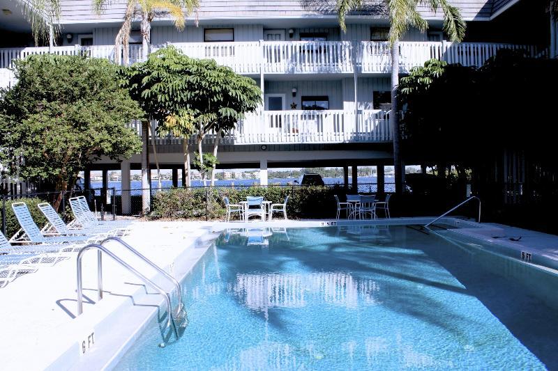 The Anna Maria Island Beach Palms - Image 1 - Anna Maria Island - rentals