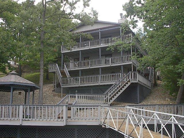 HOME VIEW FROM PRIVATE DOCK - 28 mm COVE + 4 LG DECKS + LG PVT DOCK + 30 MEG INT - Linn Creek - rentals