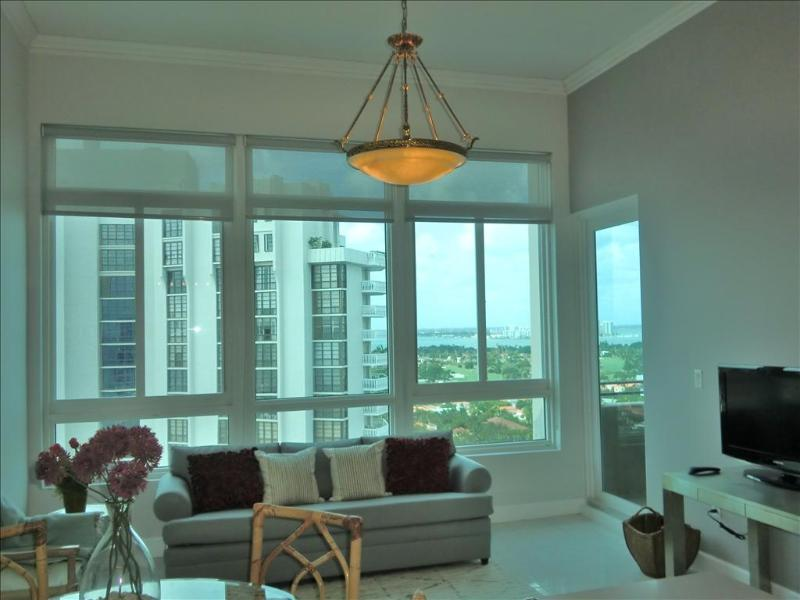Deluxe Bay View Penthouse 12 - Image 1 - Miami Beach - rentals