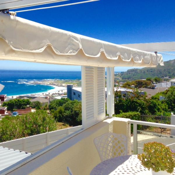 beach view from sundeck - 2 bedroomed cottage overlooking Camps Bay beach - Camps Bay - rentals