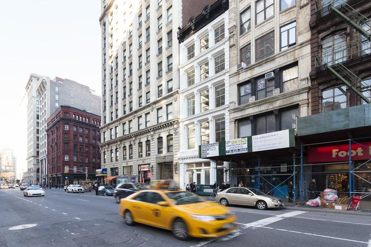 2 Bedroom in the Heart of Manhattan - Image 1 - Manhattan - rentals