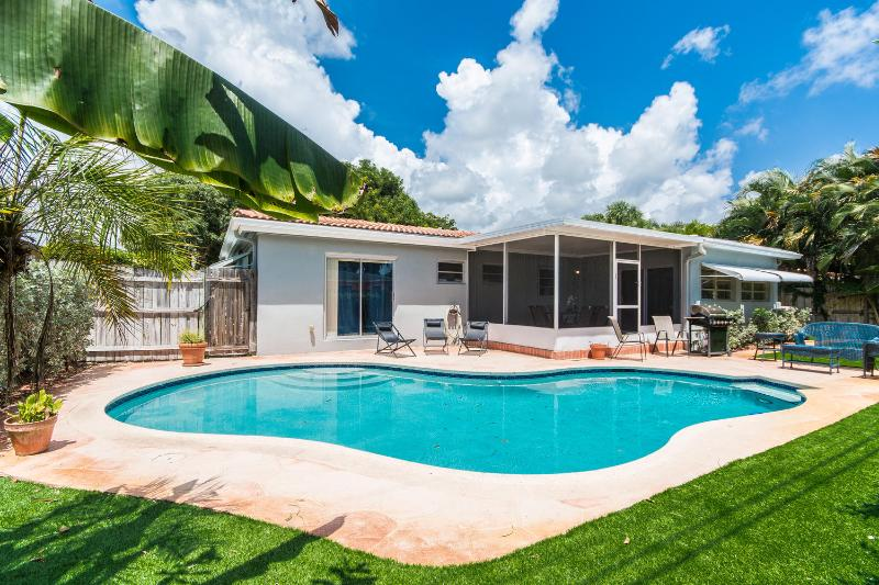 Real Estate Gizmo offers Vacation home rental in Fort Lauderdale Lyons Gate. - Real Estate Gizmo Lyons Gate in Fort Lauderdale! - Pompano Beach - rentals