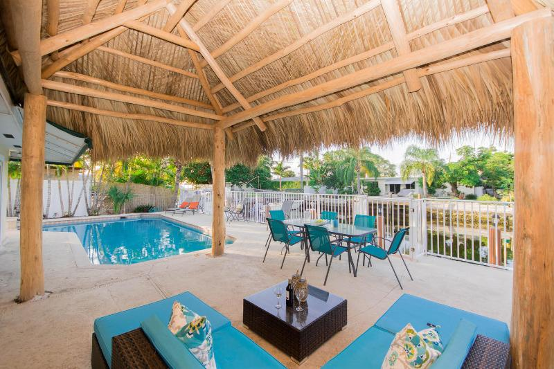 Realestate Gizmo Pompano Isles Tiki Hut vacation home rental in Fort Lauderdale - Waterfront home Pompano Isles! - Pompano Beach - rentals