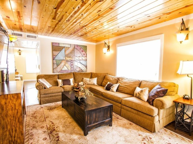 THE COTTAGE: Heated Pool & Water Slide! - Image 1 - Asheville - rentals