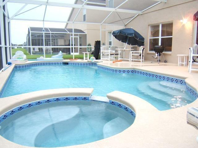 pool - Aug Specials-Save BIG , newly updated - email/call - Davenport - rentals