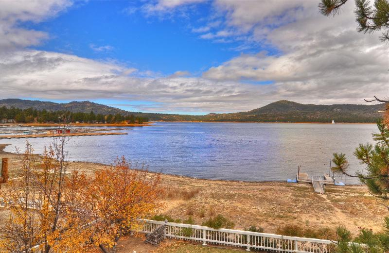 Lakefront Dream Cabin! Boat dock and hot tub! - Image 1 - Big Bear Lake - rentals