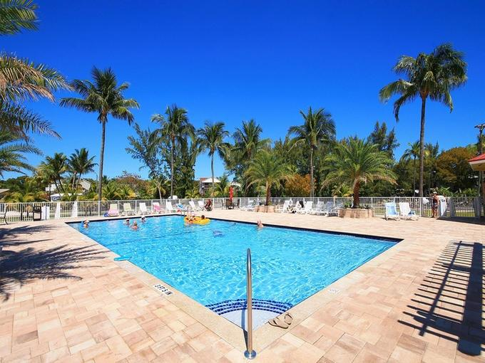 brand new swimming pool completed fall of 2013 - 5th floor 3 bdr condo with Bay view, pool, dockage - Tavernier - rentals