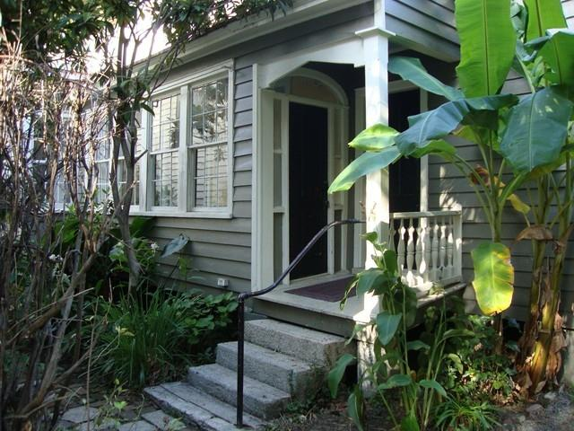 79 B Victorian Court at  Historic Smalls Alley - Image 1 - Charleston - rentals