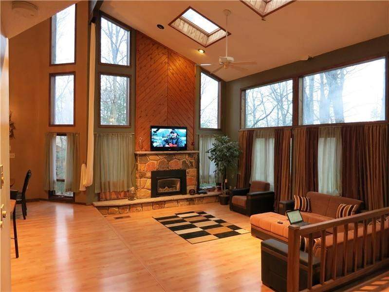Exclusive, Huge, Remarkable Winter Castle - Image 1 - Tannersville - rentals