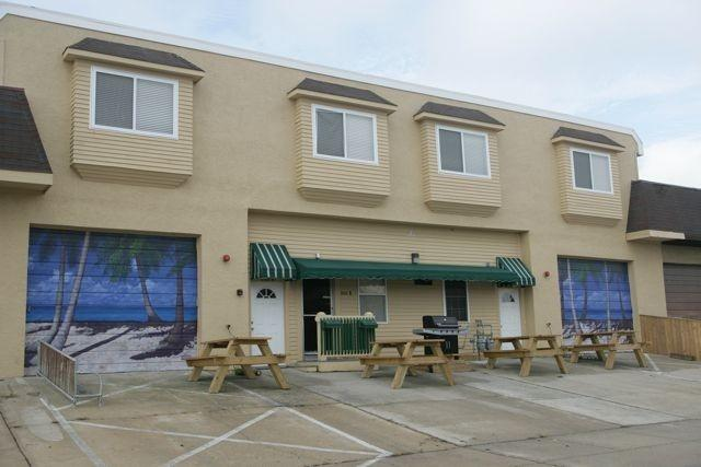 BRAND NEW VACATION TOWNHOUSE--SLEEPS 14! - Image 1 - Wildwood - rentals