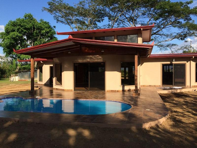Enjoy the Tropics in a Beautiful Modern Home - Image 1 - Sierpe - rentals