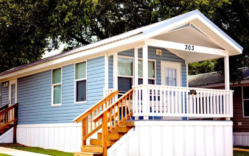 Lovely Two Bedroom Cottage in San Antonio - Image 1 - Mico - rentals