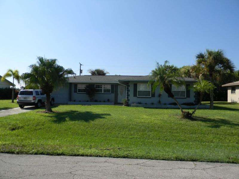 House with Large Heated Pool - Image 1 - Cape Coral - rentals