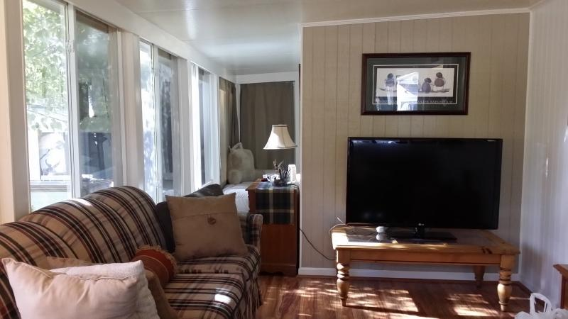 "Comfy Sunroom with 50"" HDTV - Lake Eufaula/Georgetown/  89 /SPECIAL  399. WK - Eufaula - rentals"