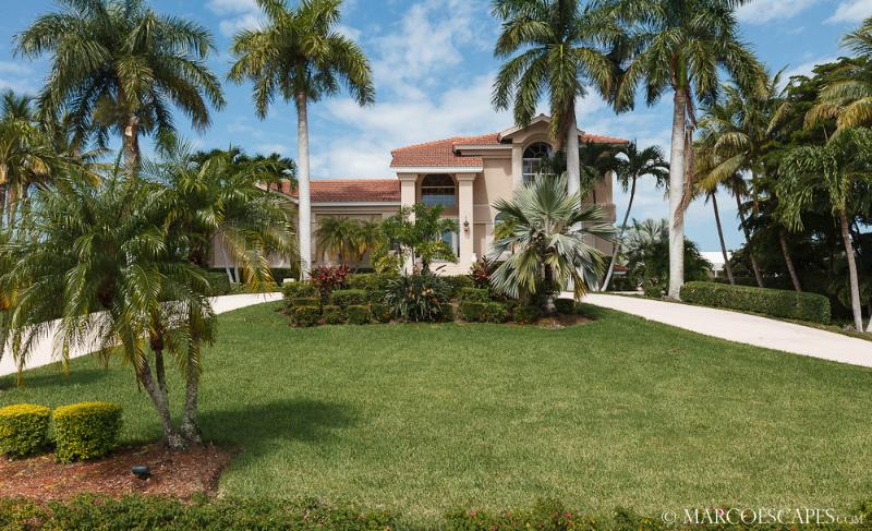 PETTIT COURT - A Boating Enthusiast's Paradise ... - Image 1 - Marco Island - rentals