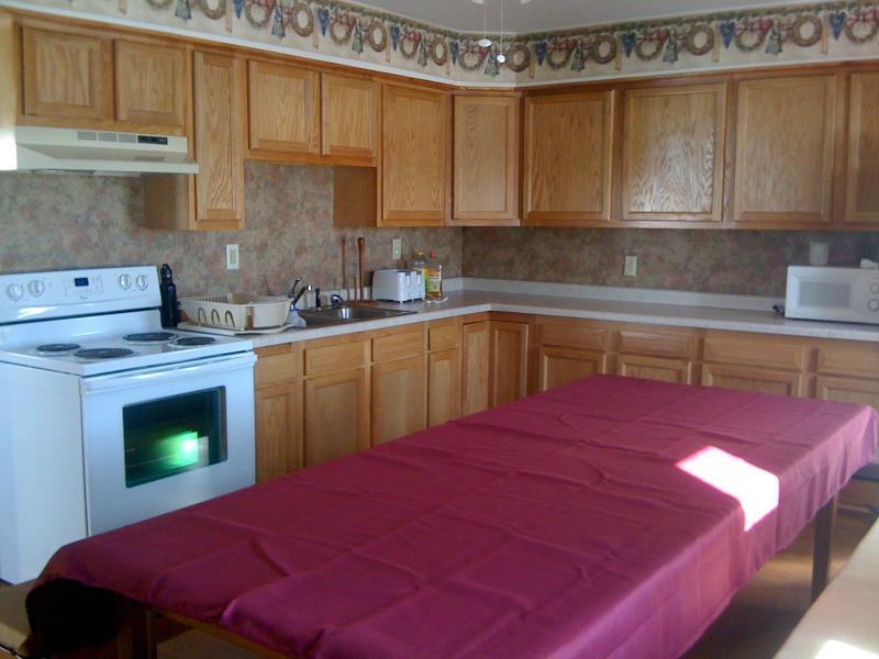 Full Kitchen - Lodge layout with spacious bedrooms and rec area - Morley - rentals