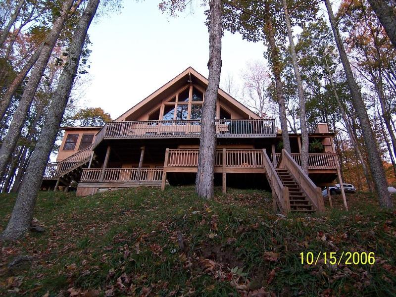 Front area of home with all decks and hot tub area - Mountain Cabin W/ 4 Fireplaces, 6 Person Hot Tub - Asheville - rentals