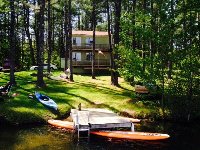 Adorable camp rental on the water in Maine. Swim, boat and relax in Maine. - Waterfront Fun Pet Friendly Vacation Rental Camp - Gorham - rentals