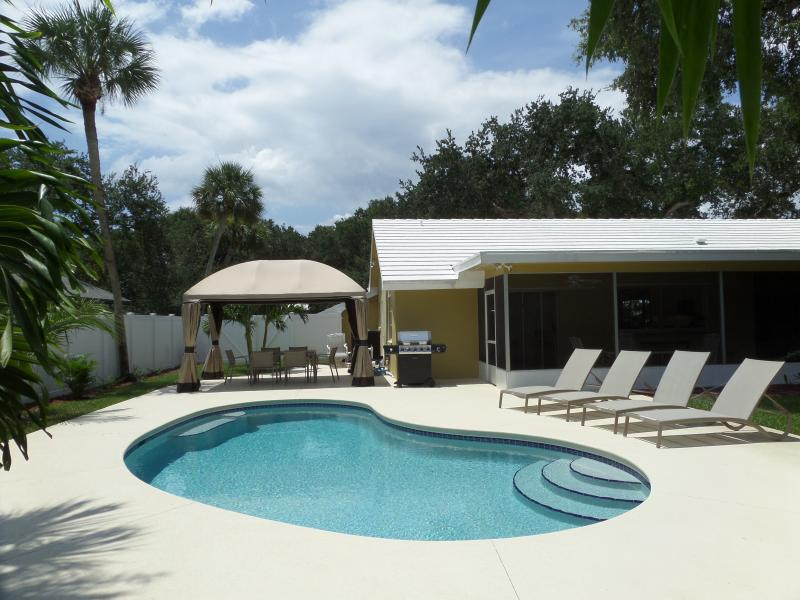 Isn't that lovely! - Island Living Two Blocks From The Ocean Beaches - Vero Beach - rentals