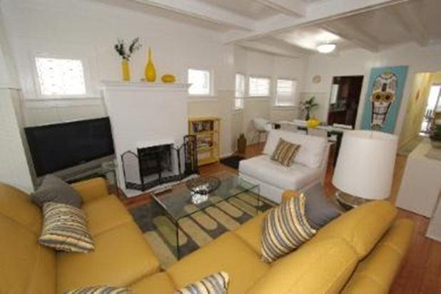 living room - 50 Yards To Beach - Venice Beach - rentals