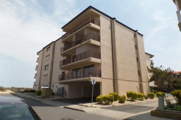 BEAUTIFUL OCEANFRONT CONDO! - Image 1 - Ocean City - rentals
