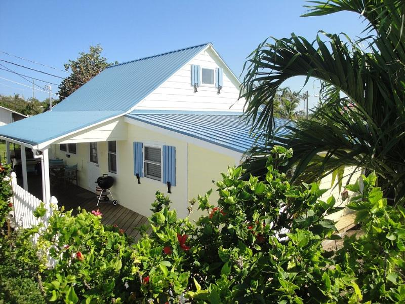 Restored Loyalist Cottage, incl golf cart - Image 1 - Man-O-War Cay - rentals