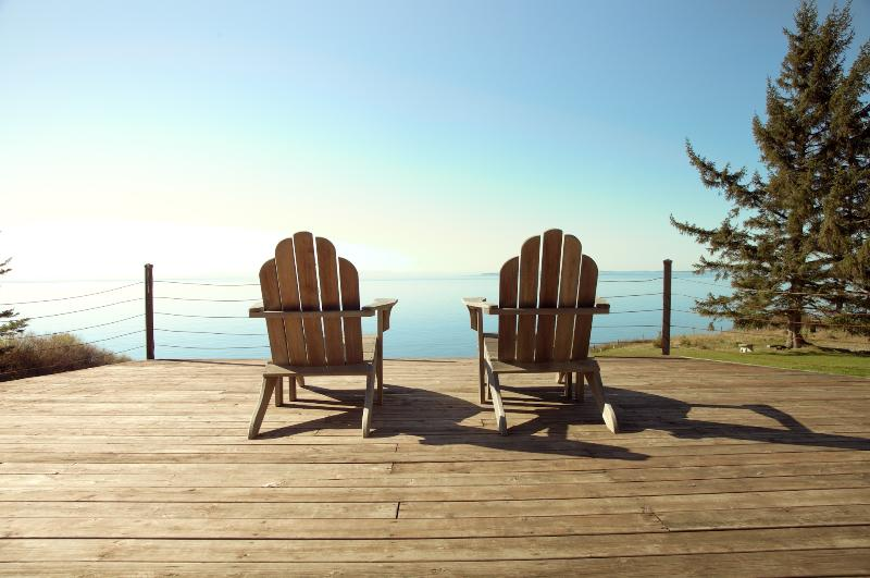 Better than a Corona commercial. Sit on the deck and take in the sea air. - Stunning Whidbey Waterfront Book Holidays now!! - Oak Harbor - rentals