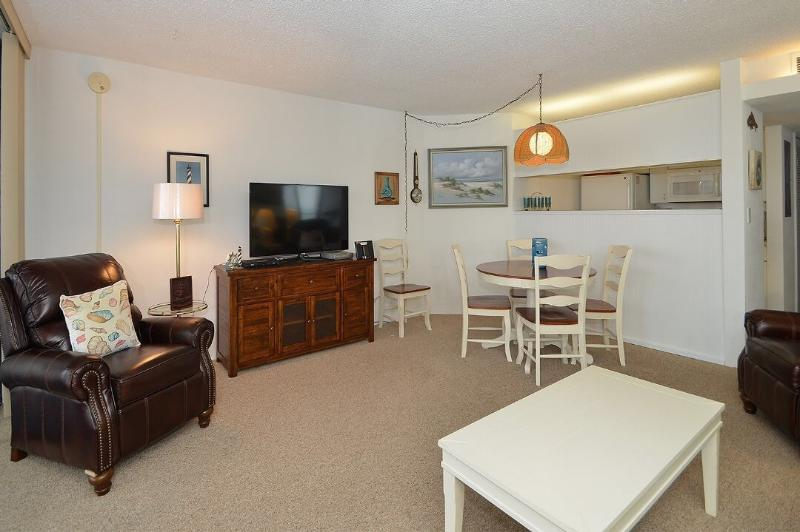 Living room /diningroom - Awesome Oceanfront Condo,  95th street - Ocean City - rentals