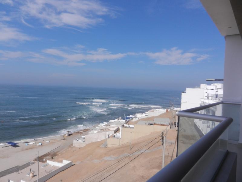 OCEANFRONT APARTMENT RENTAL IN CABALLEROS BEACH - Image 1 - Punta Hermosa - rentals