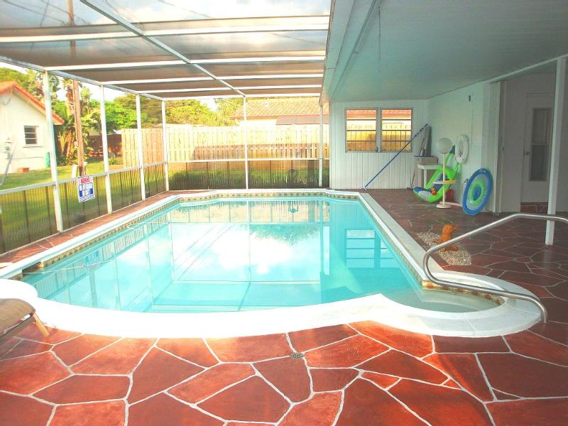 Vacation Central! Heated Pool, Beaches, Fishing - Image 1 - Coconut Creek - rentals